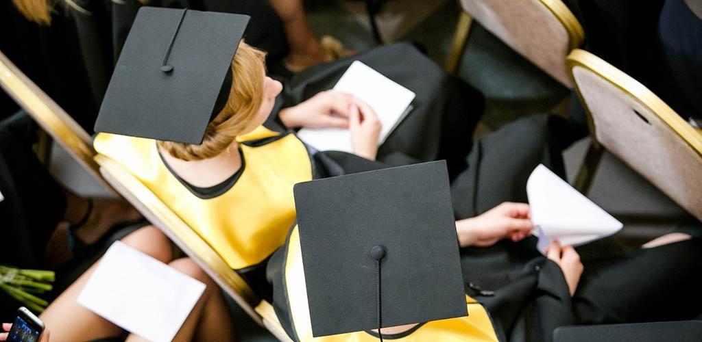Nemokamos bakalauro studijos visiems neplanuojamos
