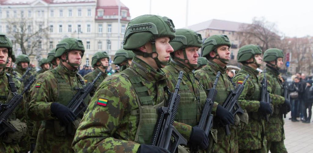 Krašto apsaugos ministerija siūlo gerinti karių socialinę apsaugą ir kelti atlyginimus