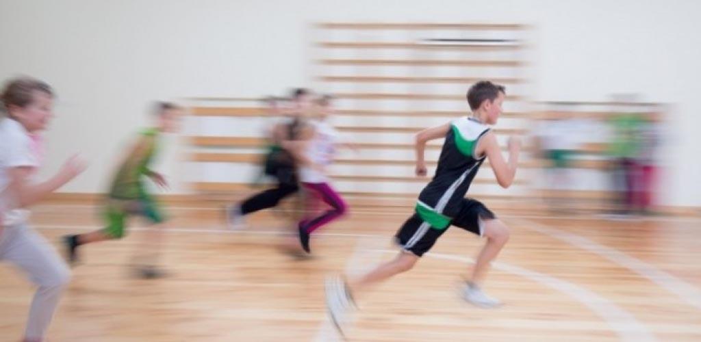 Mažėjant vaikų fiziniam aktyvumui, svarstoma įvesti daugiau kūno kultūros pamokų