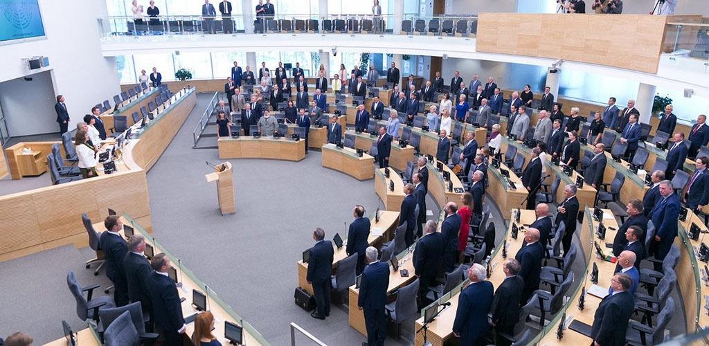 Seimas svarstys mažinti pilietybės referendumo kartelę, skelbti su prezidento rinkimais