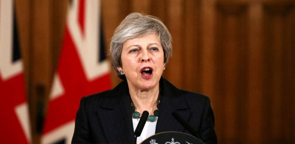 """May atmeta galimybę rengti antrą referendumą dėl """"Brexit"""""""