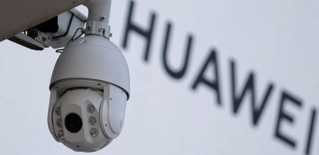"""""""Huawei"""" viceprezidentas: vyksta geopolitinis žaidimas"""
