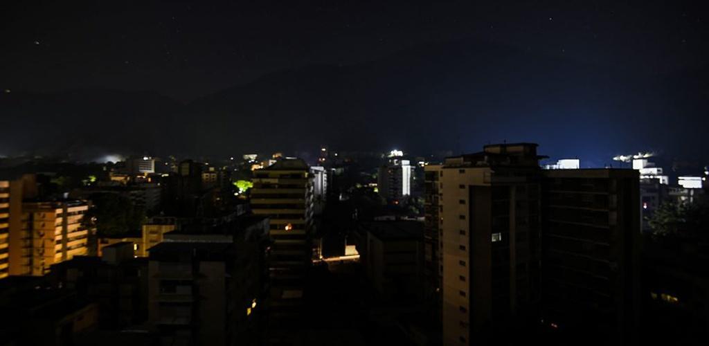Venesueloje nauja didelė elektros tinklų avarija paveikė provincijas ir sostinę