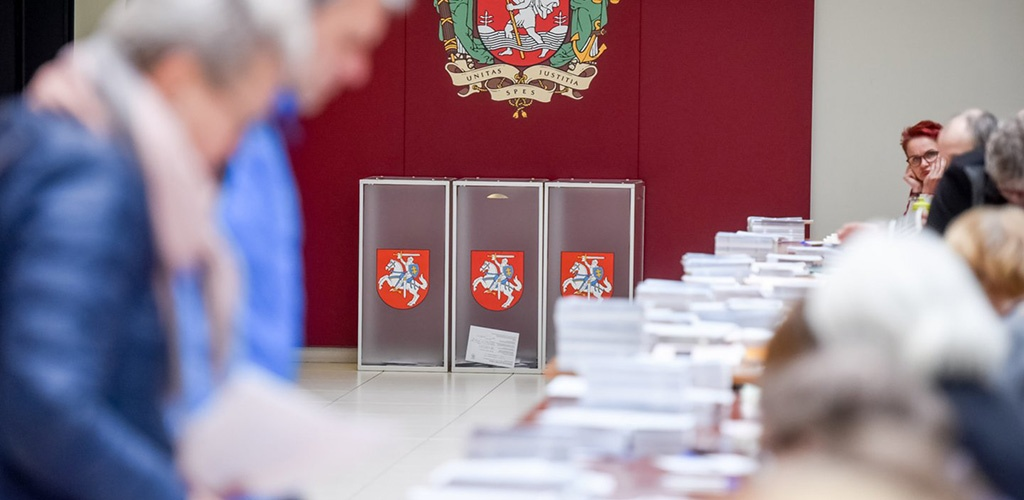 Prasidėjo balsavimas iš anksto prezidento rinkimų antrajame ture, EP rinkimuose