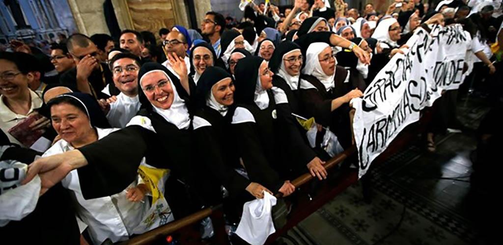 Popiežius kunigams ir vienuoliams: Ne skųstis, kad viskas blogai, bet skelbti gerąją naujieną
