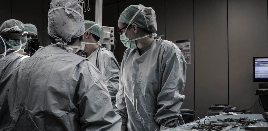 Pacientės sūnus nuteistas už kyšio davimą medikui