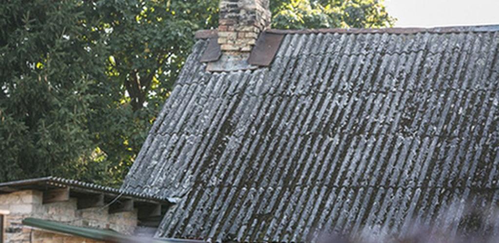 Gyventojai gali nemokamai išvežti asbesto gaminių atliekas