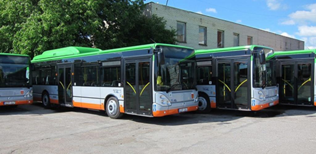 Daugiau nei trečdaliu sumažinta autobusų reisų