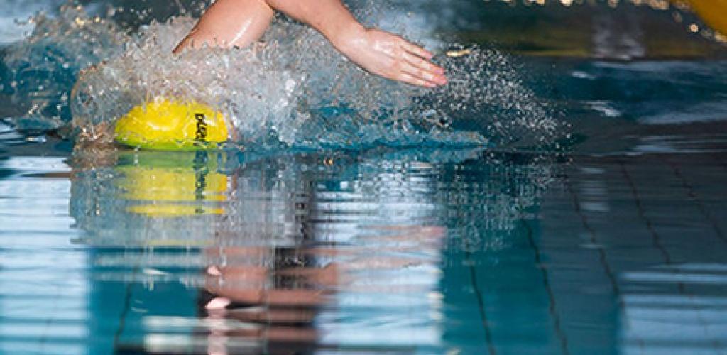 Ministerija tikisi, kad šiemet plaukti baseinuose išmoks 8 tūkst. pradinukų