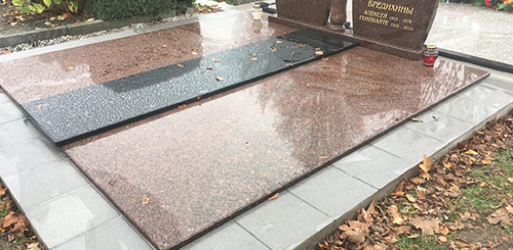 Patvarūs ir ilgaamžiai granito antkapiai