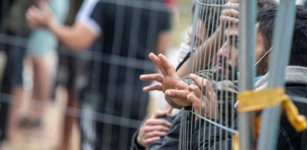Vyriausybėje – pataisos, susijusios su migrantų laisvių apribojimų pasibaigus sulaikymui