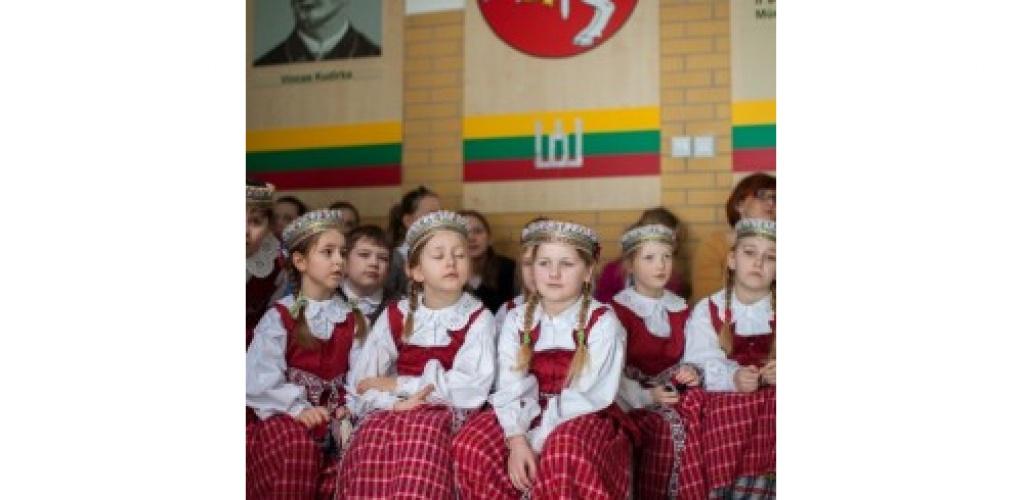 Siūloma didinti lietuvių kalbos statusą užsienio lituanistinėse mokyklose