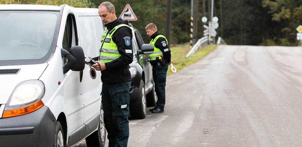 Per parą gauti 299 pranešimai dėl karantino taisyklių pažeidimų, nubausta 80 žmonių