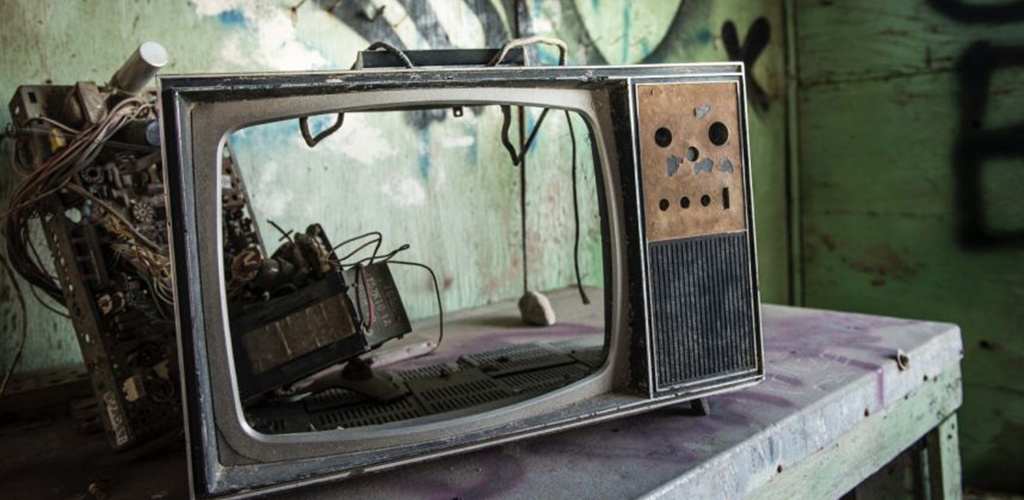 """Italija išardė """"didžiausią pasaulyje"""" piratinį internetinės televizijos tinklą"""