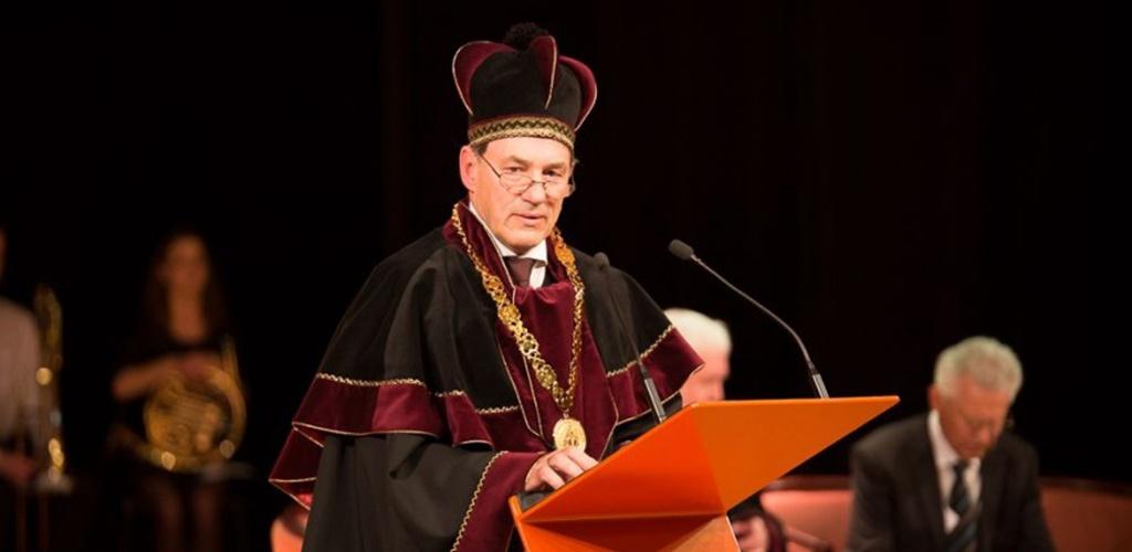 VDU rektoriumi antrai kadencijai išrinktas J. Augutis